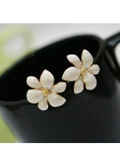 wholesale Graceful White Bauhinia Ear Stud for Office Lady