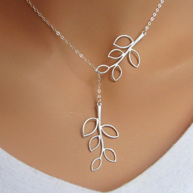 Elegant Mini Leaf Pendant Necklace Rotita