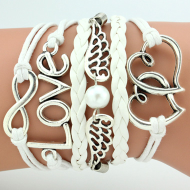 Silver Metal Heart and Wing Embellished BraceletBracelets &amp; Bangles<br><br><br>color: White<br>size: One Size