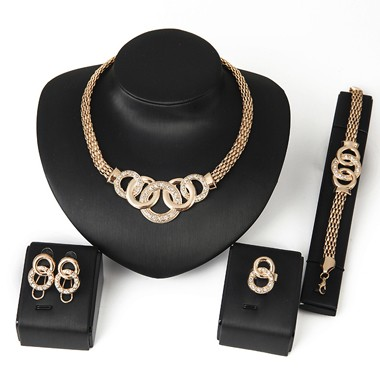 Rhinestone Decorated Gold Metal Necklace SetNecklaces &amp; Pendants<br><br><br>color: Gold<br>size: One Size