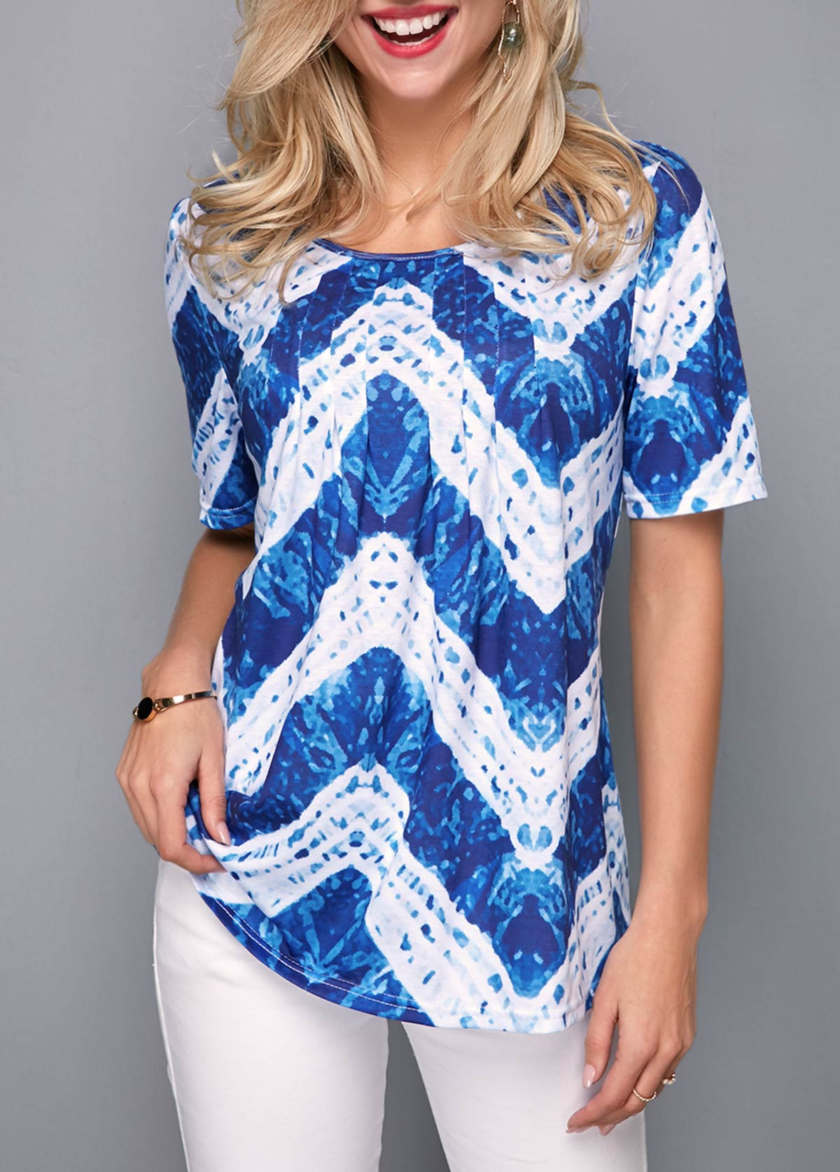 Short Sleeve Round Neck Chevron Print T Shirt