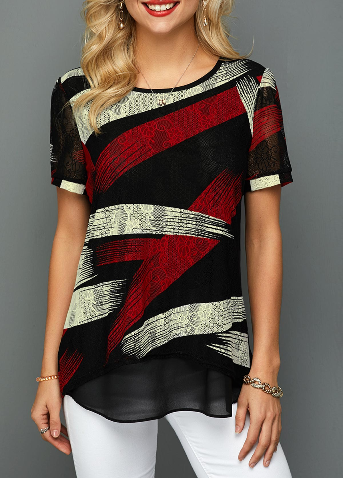 Printed Short Sleeve Curved Hem Lace T Shirt