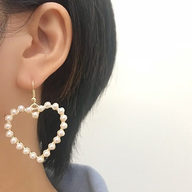 Bead Embellished Heart Shape Gold Metal Earring Set