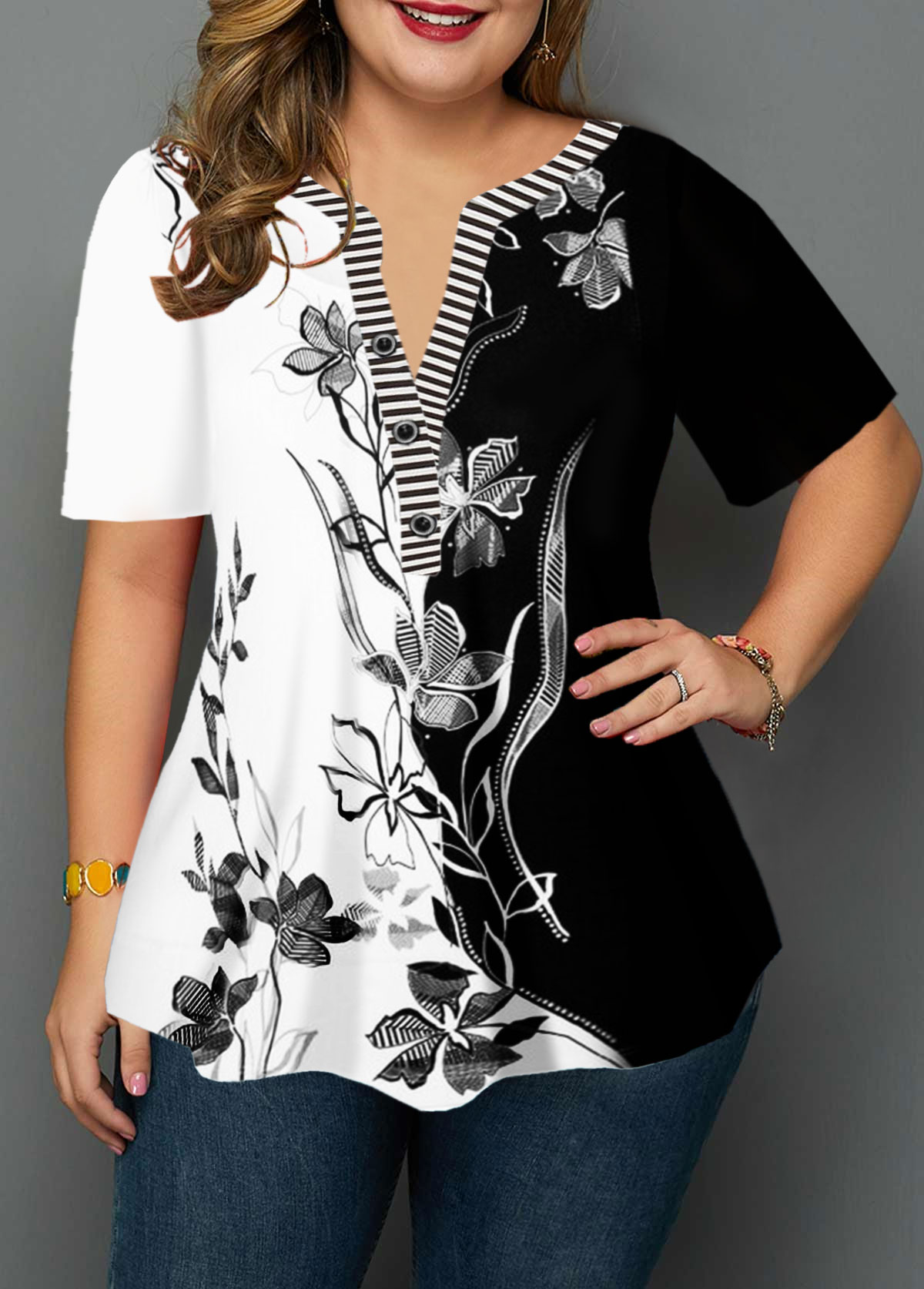 Plus Size Flower Print Split Neck Blouse
