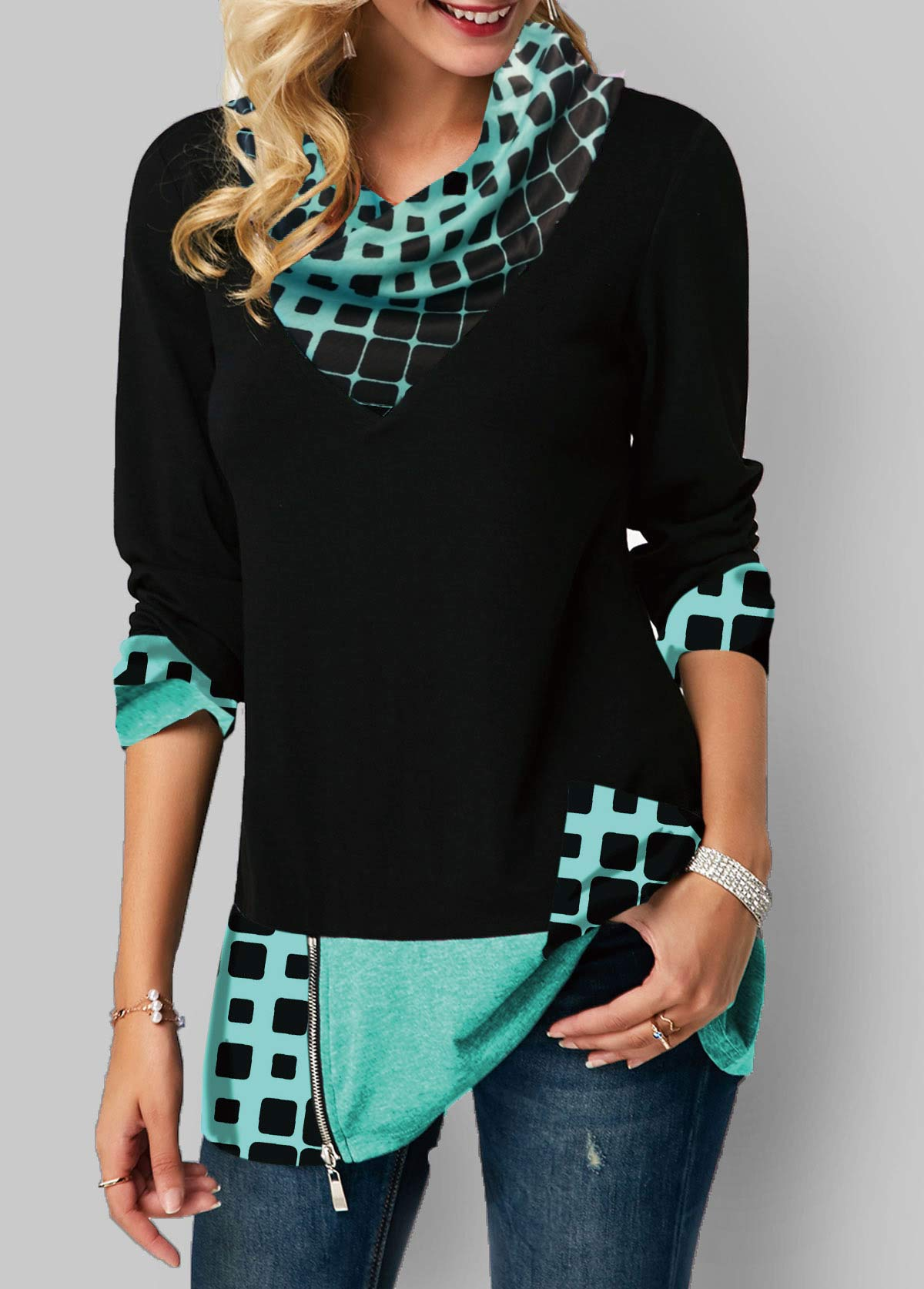 Long Sleeve Geometric Print Zipper Detail T Shirt