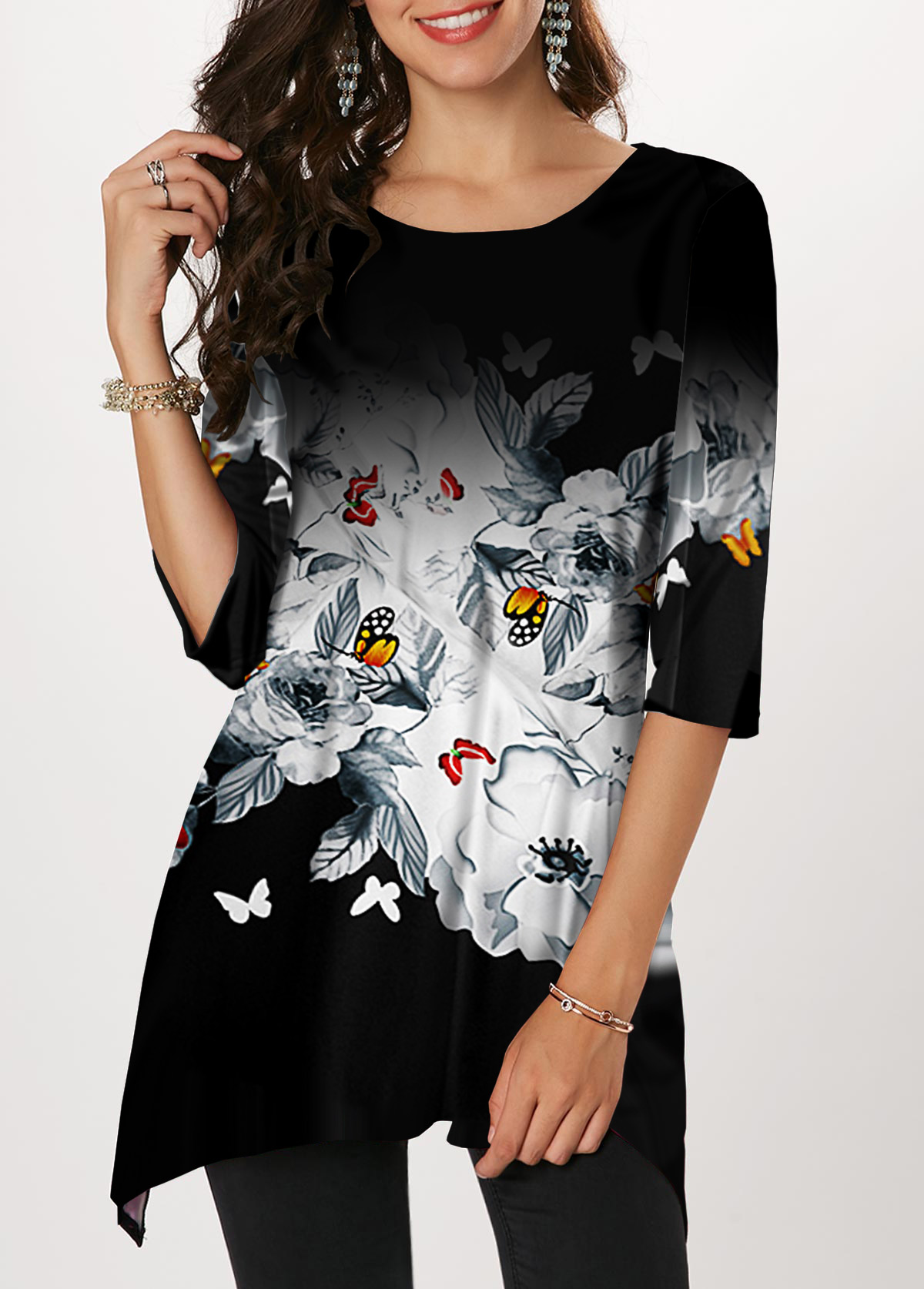 Butterfly Print Round Neck Sharkbite Hem T Shirt
