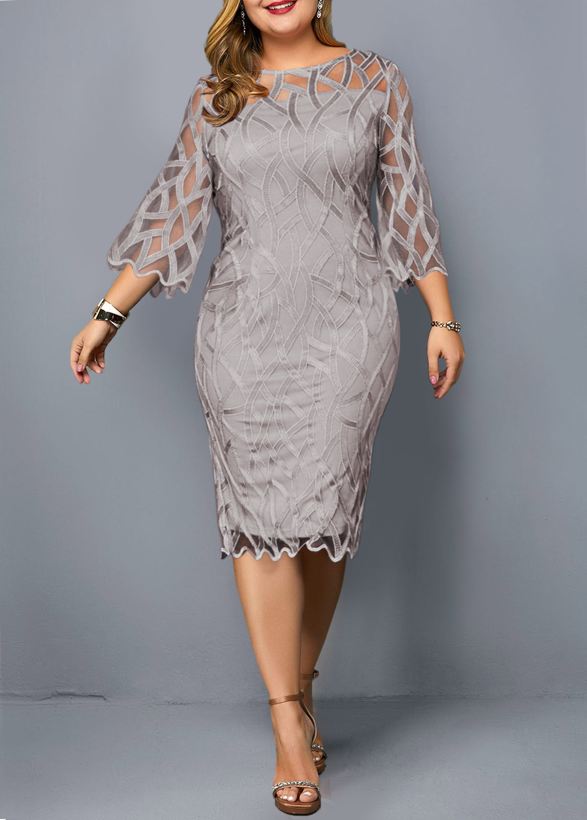 Three Quarter Sleeve Round Neck Plus Size Dress