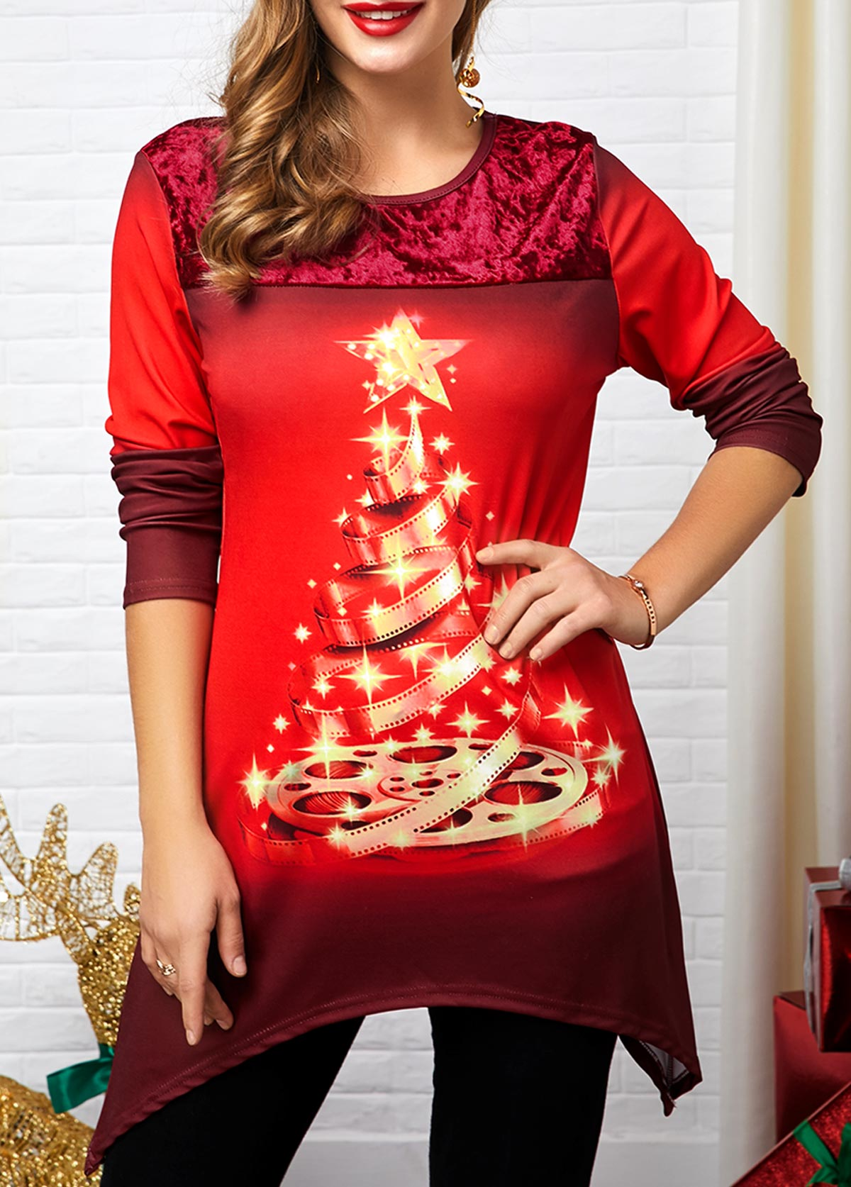 Sharkbite Hem Christmas Tree Print T Shirt