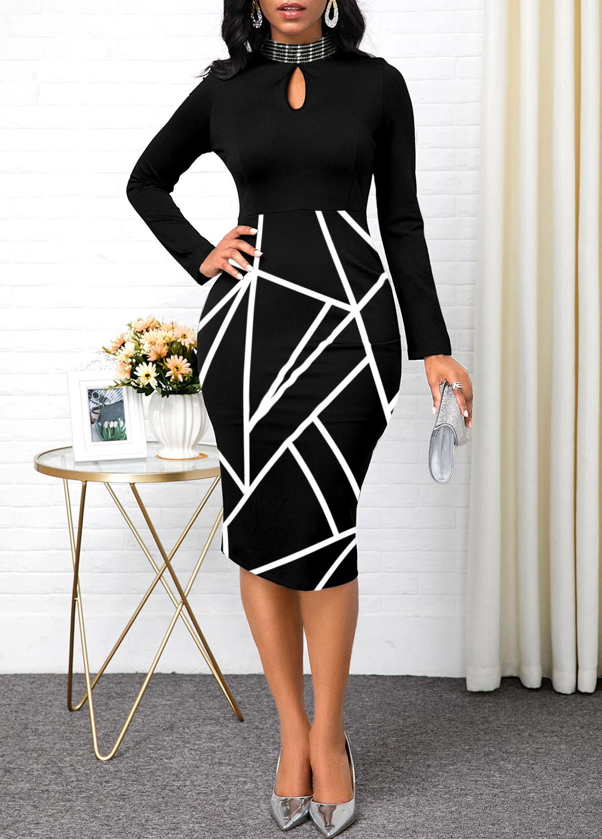 Keyhole Neckline Geometric Print Long Sleeve Dress