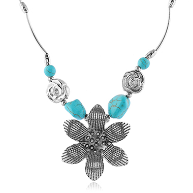 Flower Decorated Ancient Silver Green Gem Necklace