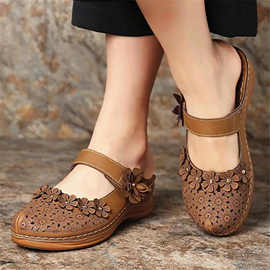 Brown Floral Decorated Pierced Slippers