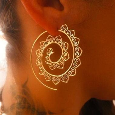Metal Spiral Design Gold Earring Set