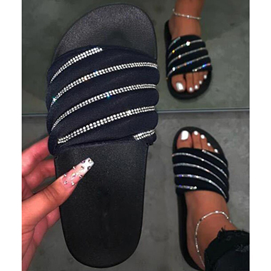 1 Pair Rhinestone Embellished Black Slippers