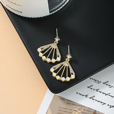 Pearl Embellished Fan Shape Metal Earring Set