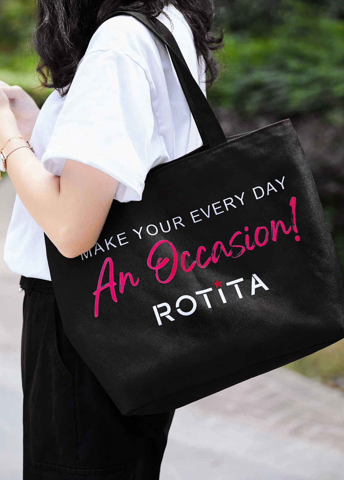 ROTITA 42 X 31cm Black Letter Print Canvas Bag