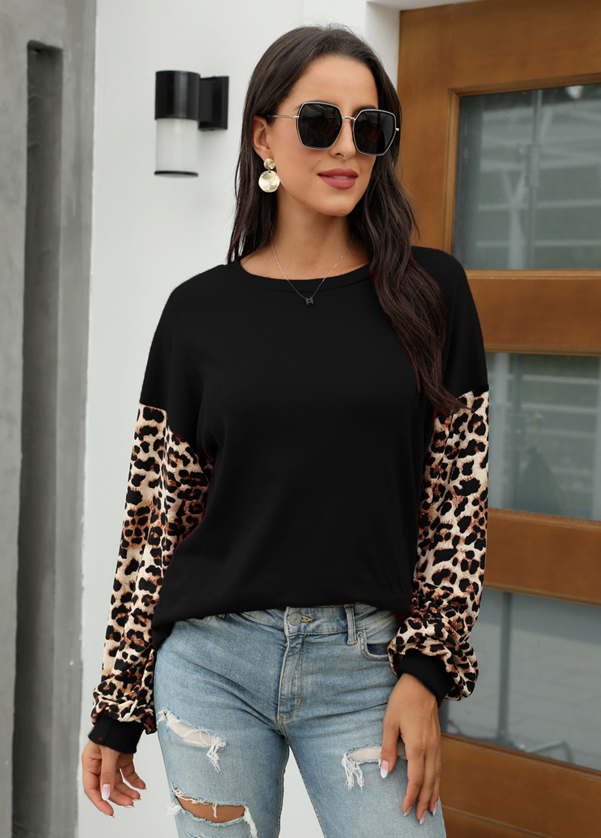 Leopard Long Sleeve Round Neck Sweatshirt
