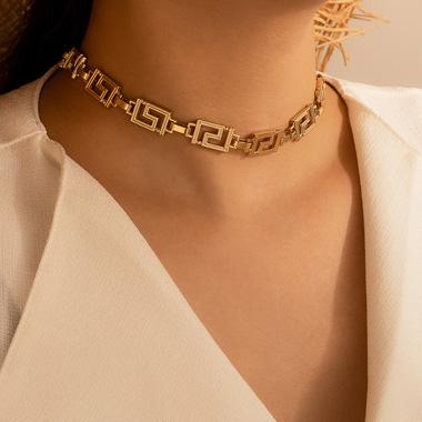 Gold Metal Fret Design Short Necklace