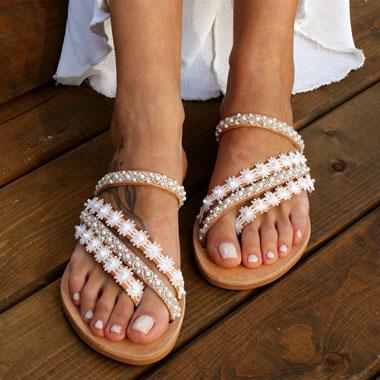 1 Pair Lace Panel Pearl Detail Flip Flops
