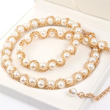 Gold Metal Detail Pearl Design Belt