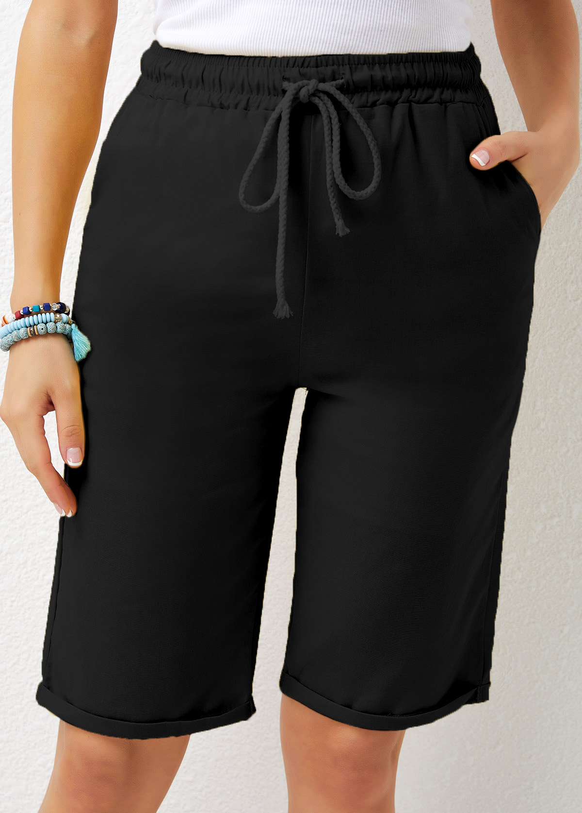 Drawstring Pocket Detail Waist Solid Shorts
