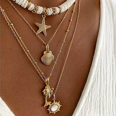 Shell Design Metal Detail Gold Necklace