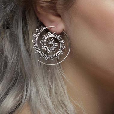 Flower Design Hollow Out Metal Detail Earring Set