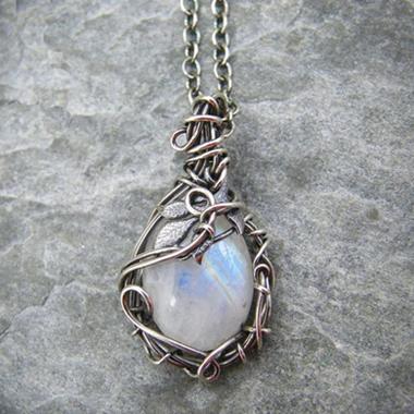 Metal Detail Moonstone Pendant Silver Necklace