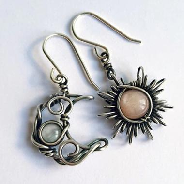 Metal Detail Moon and Sun Design Earring Set