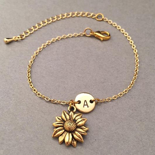 Letter Design Daisy Detail Gold Bracelet