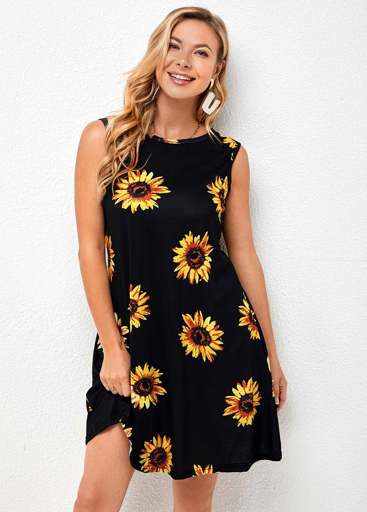Sleeveless Sunflower Print Round Neck Dress