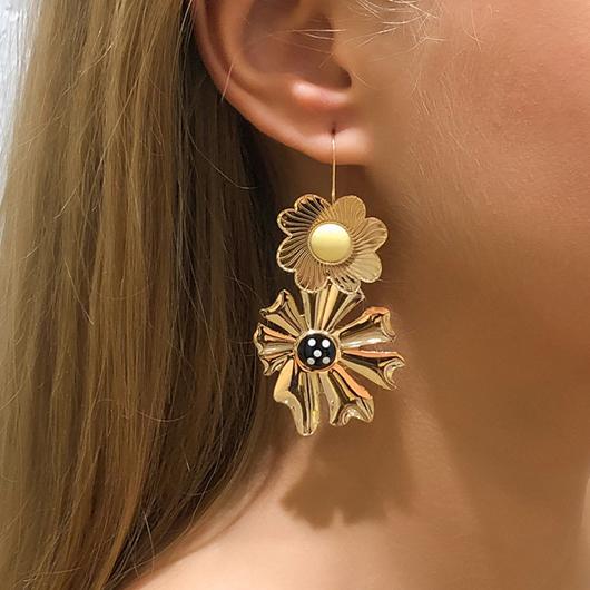Metal Detail Flower Desiign Gold Earring Set