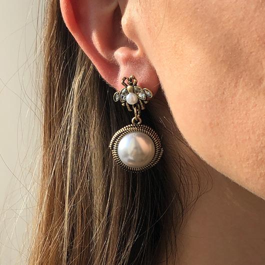 Pearl Detail Bee Design Rhinestone Earring Set