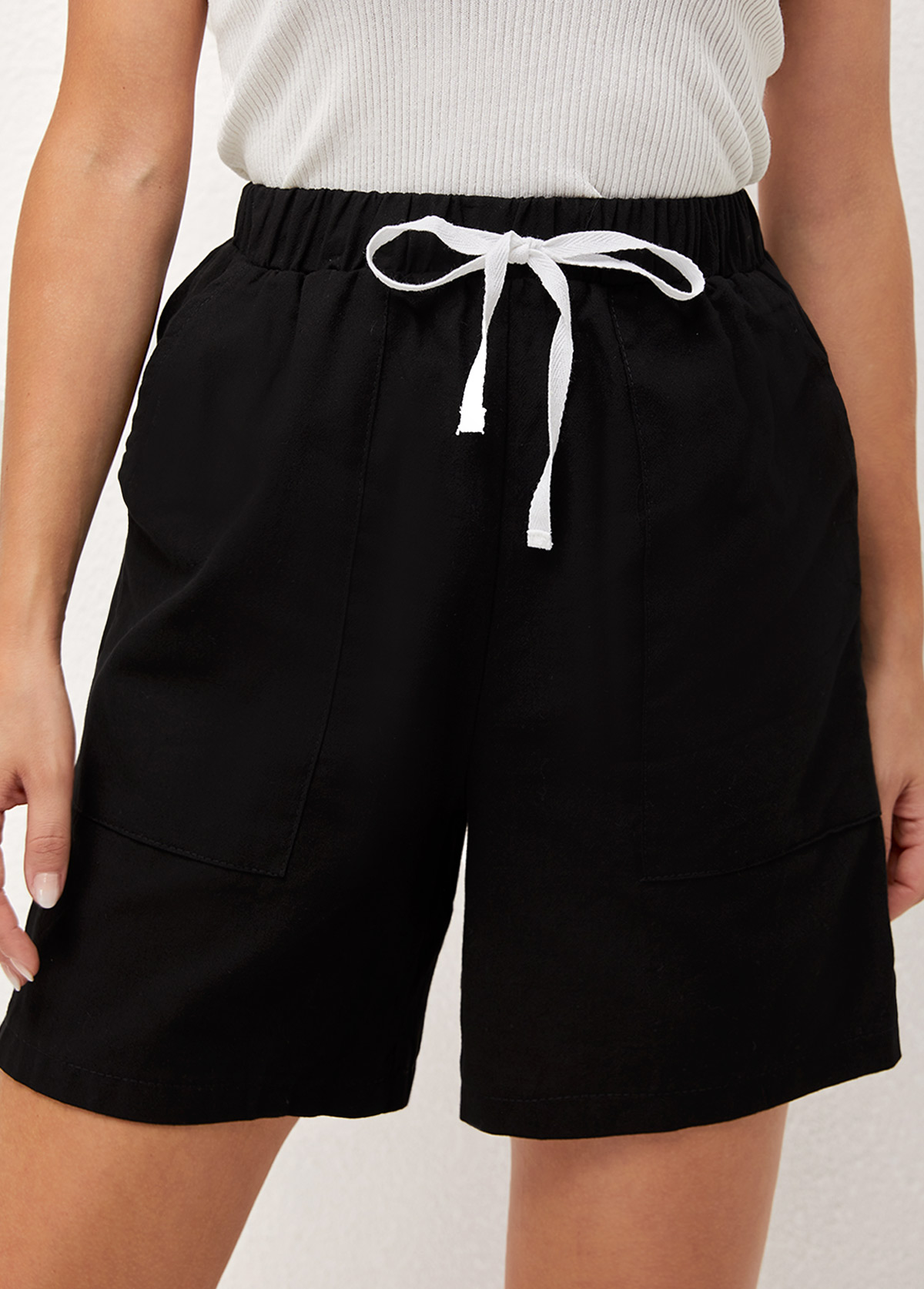Tie Front Pocket Detail Solid Shorts