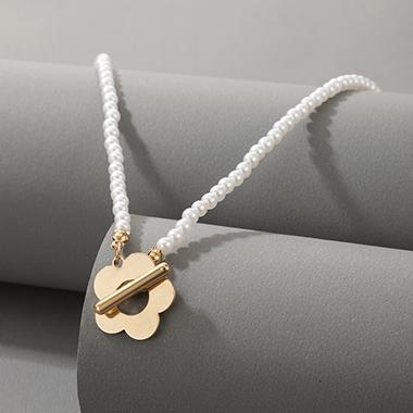 Pearl Flower Design Metal Detail Necklace