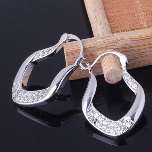 Rhinestone Detail Asymmetric Design Silver Earring Set