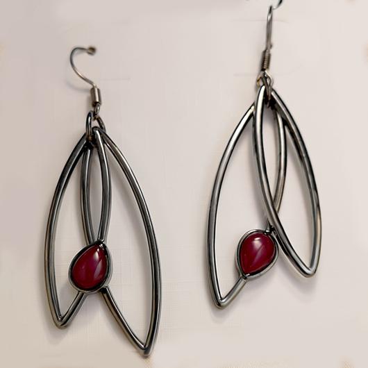 Metal Detail Leaf Design Earring Set