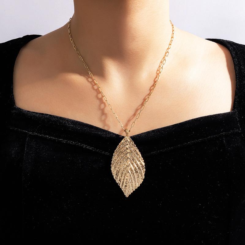 Gold Leaf Design Metal Detail Necklace