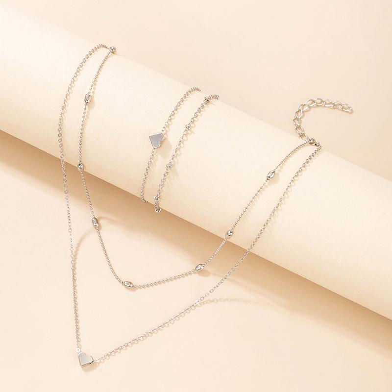 Metal Detail Silver Heart Design Necklaces