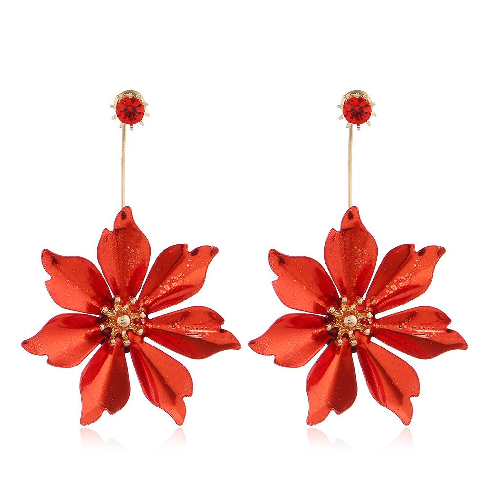Metal Detail Floral Design Red Earring Set