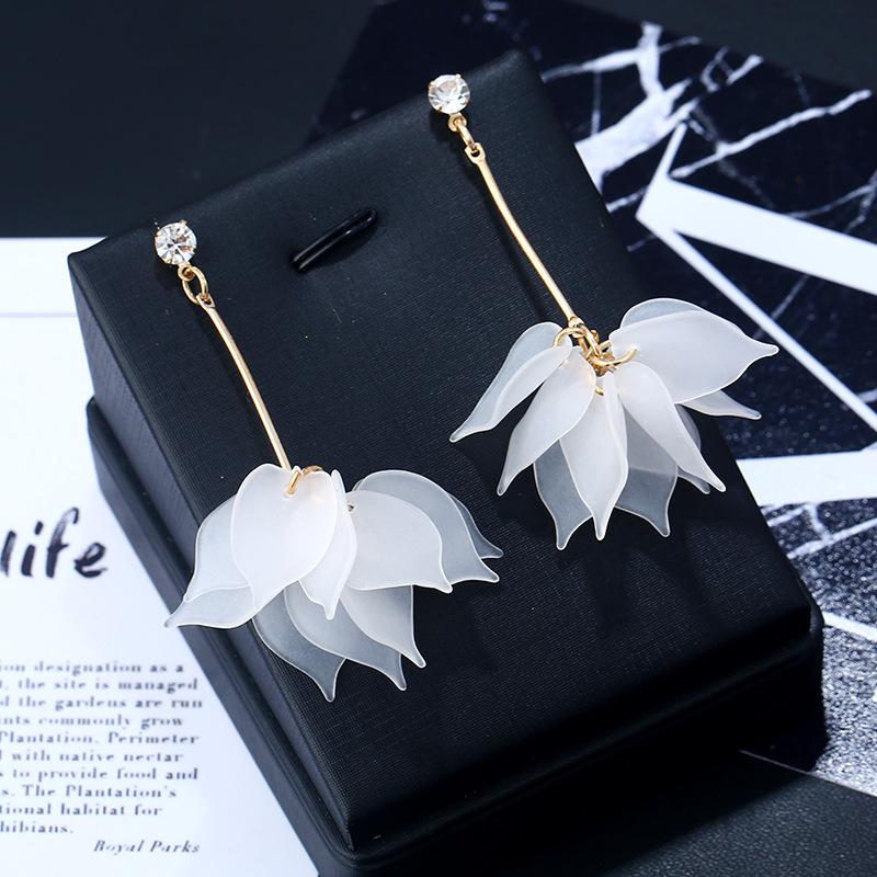 Layered Floral Design Metal Detail Earrings